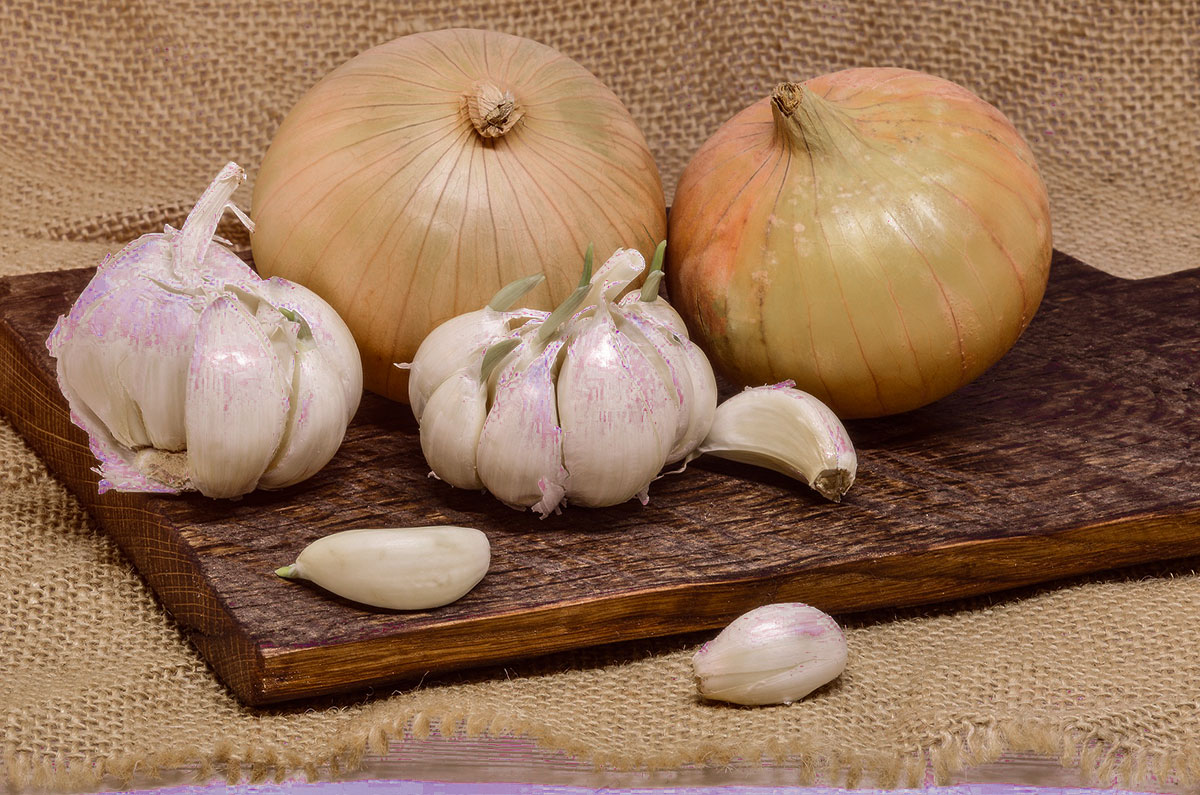 2)-Onion-And-Garlic---pexels.jpg